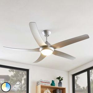 Lindby Dora LED ventilátor, 4 lopatky, stříbrný